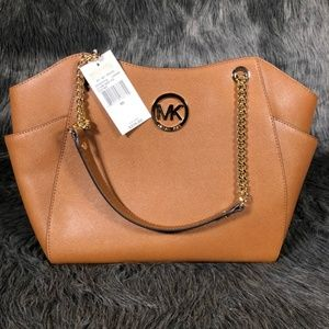 Michael Kors Jet Set Travel Chain Shoulder Tote